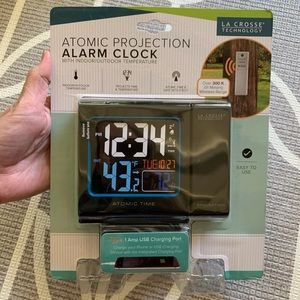 La Cross Technology // NWT Atomic Projection Clock